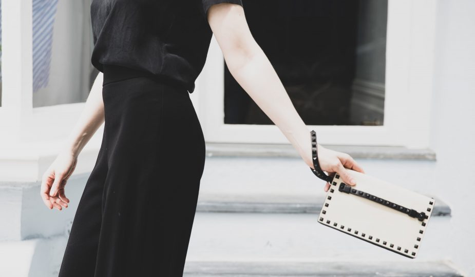 VALENTINO | STYLE SECRET | Clutch In White & Black | Seymour & Ford